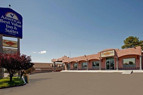 Americas Best Value Inn Albuquerque Hotel - Exterior With Sign