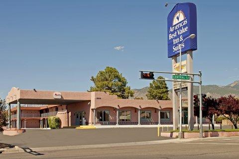 Americas Best Value Inn Albuquerque Hotel - Front Exterior