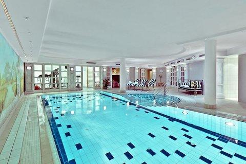 Louisa's Place - Pool