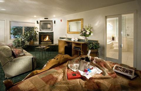 Best Western Humboldt Bay Hotel - Honeymoon Suite