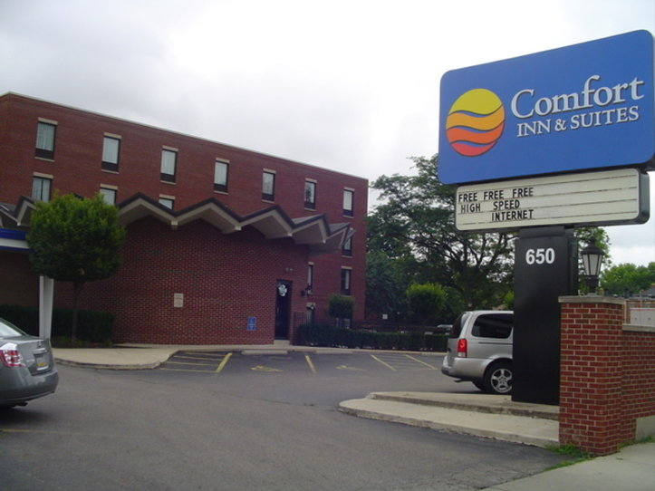 Comfort Inn &amp; Suites Downtown