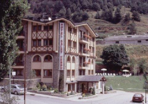 Hotel Xalet Verdú - Exterior