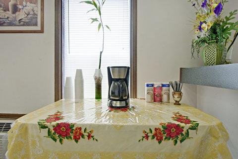 Americas Best Value Inn Darlington - Breakfast Area