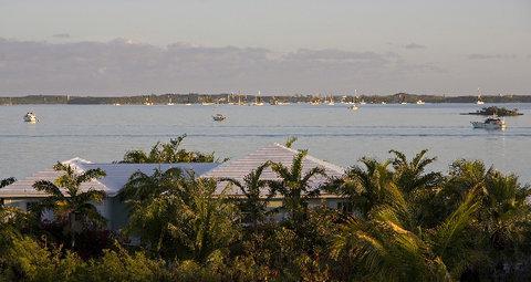 February Point Resort - Tropical Lan Aping Villa