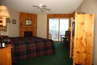 Cove Point Lodge - Beaver Bay, MN