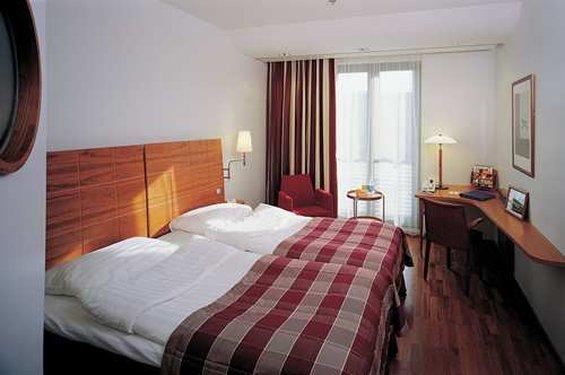 Scandic Hotel Simonkenttä Helsinki Odanın görünümü