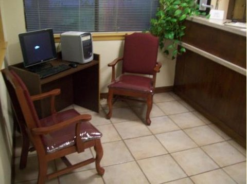 Executive Inn Hebbronville - B Center