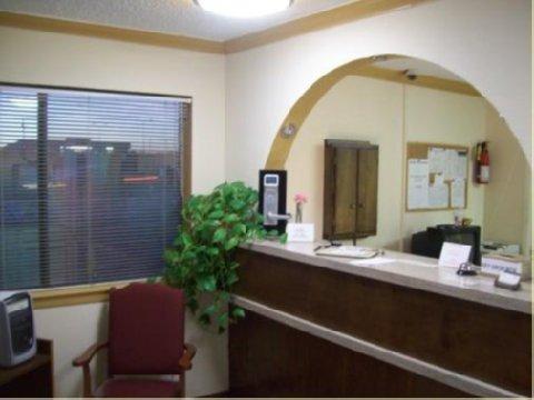 Executive Inn Hebbronville - FRONTDESK