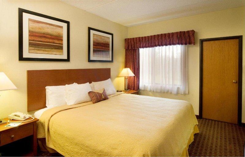 Quality Suites - Lansing, MI