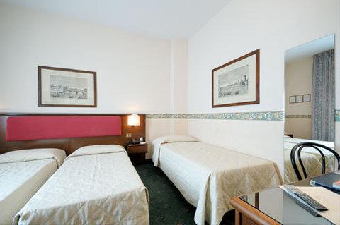 Viva Hotel Alexander - Triple Room
