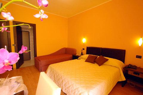 Memole Inn - Triple Room