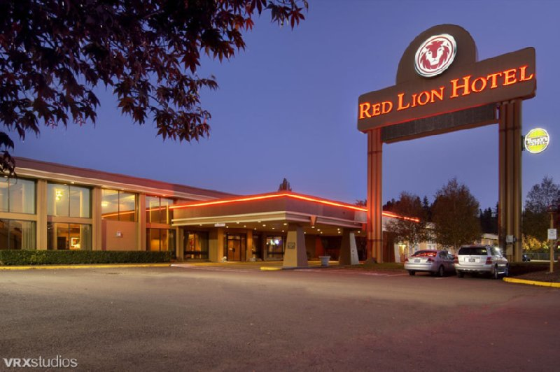 RED LION KELSO