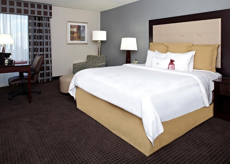 Crowne Plaza Hotel Philadelphia West View of room