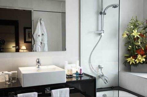 Andalucia Center Hotel Granada - Guest Room