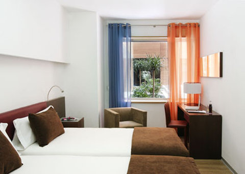 Ayre Gran Via - Guest Room