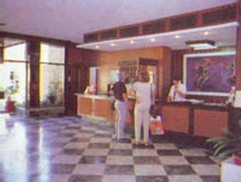 Las Vegas - Reception