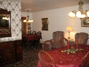 Glass House Inn - Erie, PA