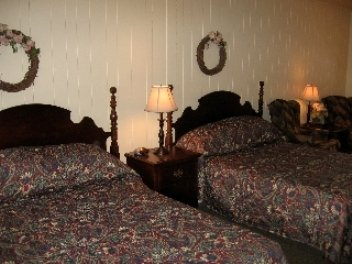 Glass House Inn - Guest Room
