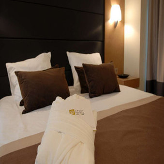 B Aparthotel Grand Place - Guest Room