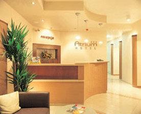Atrium-Hotel Lobby