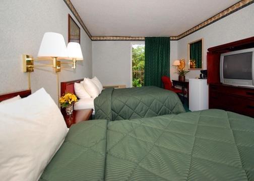 Comfort Inn & Suites - Pittsburgh, PA