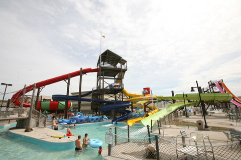PZAZZ Resort Catfish Bend Inn and Spa - Hucks Harbor Waterpark