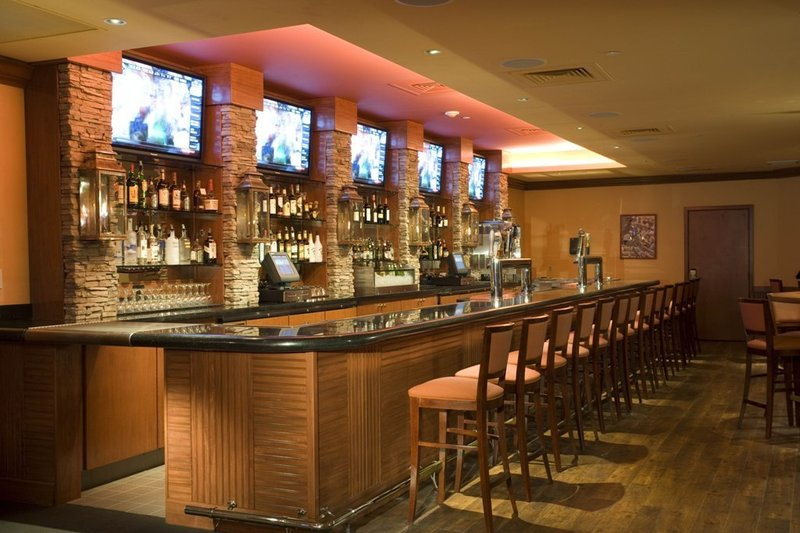Holiday Inn Denver Lakewood Bar/lounge