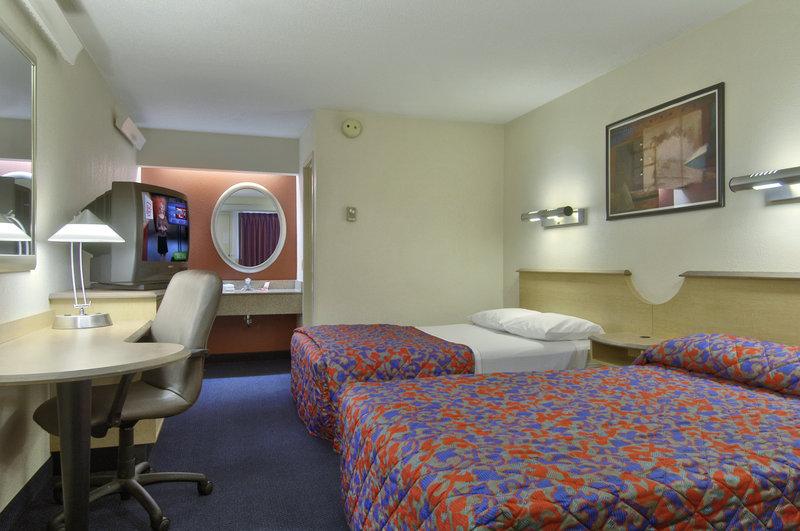 Holiday Inn Express & Suites DEARBORN SW - DETROIT AREA - Dearborn, MI