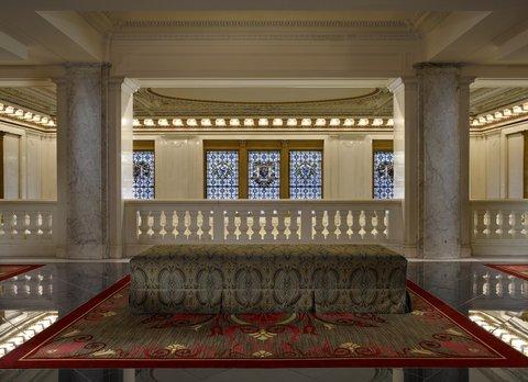 Monaco Baltimore A Kimpton Hotel - Elevator Lobby