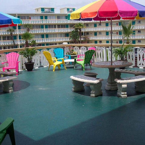 Daytona Inn Beach Resort - Outdoor Patio