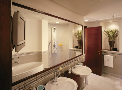 روز وود جدة - Rosewood Suite Bathroom