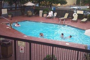 Pool - Hampton Inn Shallowford Road Chattanooga