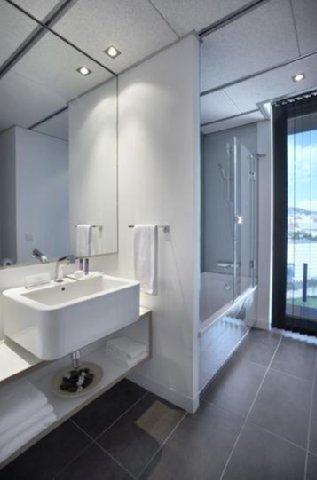 Apartamentos Just Style - Bathroom