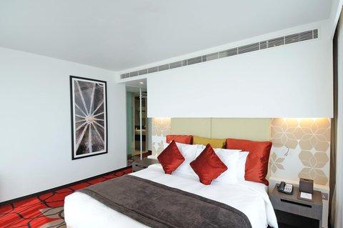 فندق كراون بلازا أبوظبي, جزيرة ياس  - Club Suite Bedroom