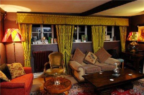 Bridge House Beaminster - The Lounge