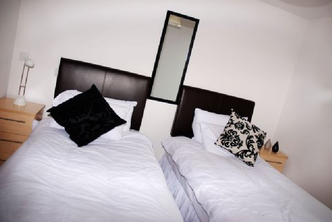 Arc Apartments By Stay Birmingham - Twin Bedroom