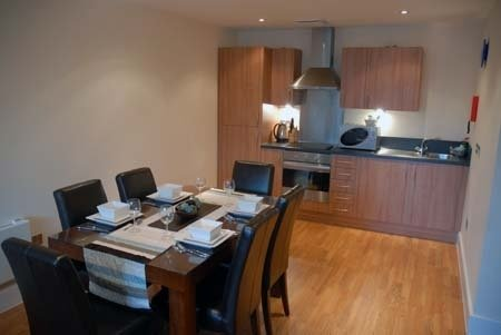 Arc Apartments By Stay Birmingham - Dining Area