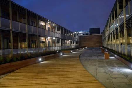 Arc Apartments By Stay Birmingham - Courtyard Night