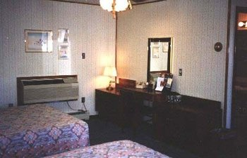 Monterey Non Smokers Motel - Room
