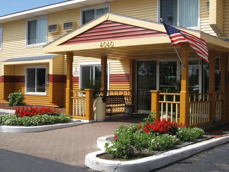 Regency Inn & Suites Faribault - Faribault, MN