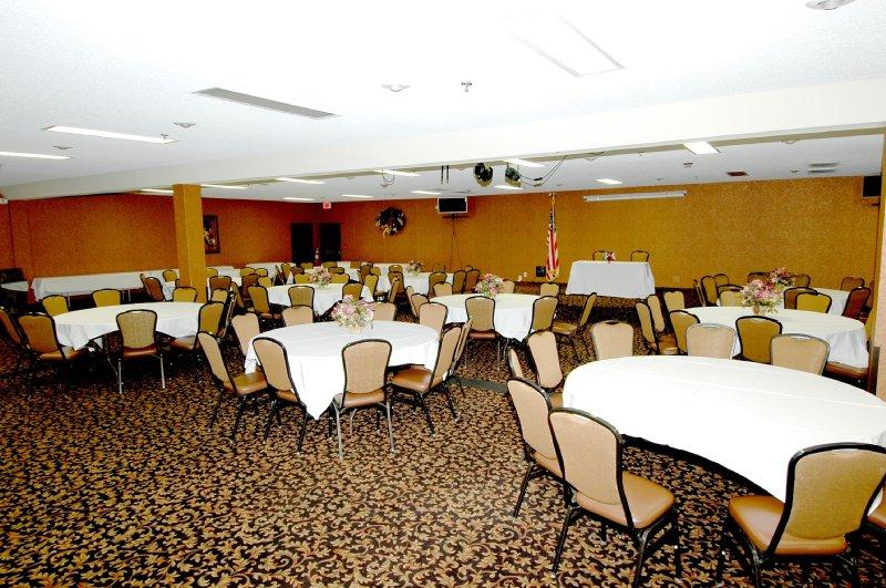 Stone Castle Hotel & Cnfrnce - Branson, MO
