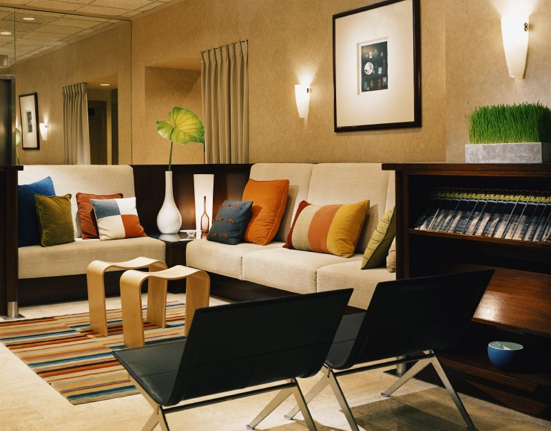 Eastgate Tower Hotel - New York, NY
