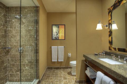 Monaco Baltimore A Kimpton Hotel - Deluxe Guestroom Bathroom