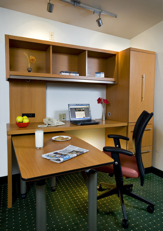 TownePlace Suites Boca Raton Suite