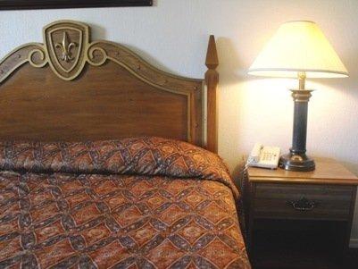 Tulsa Inn & Suites - Tulsa, OK