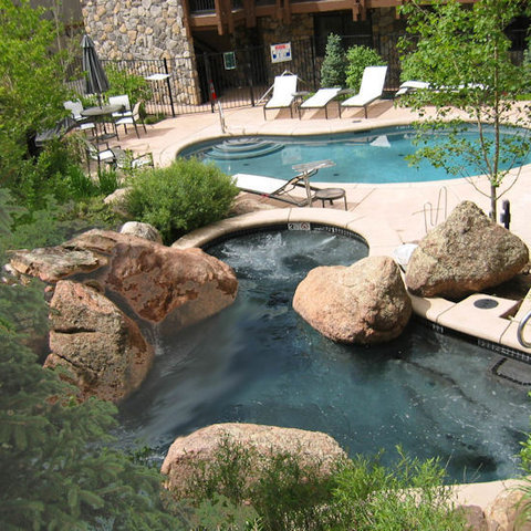 Lift One Condominiums - Hottub And Pool From