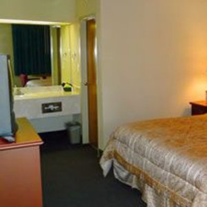 Dockers Inn & Reservations - Branson, MO