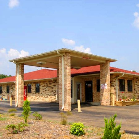 Luxury Inn & Suites Forrest City - Forrest City, AR
