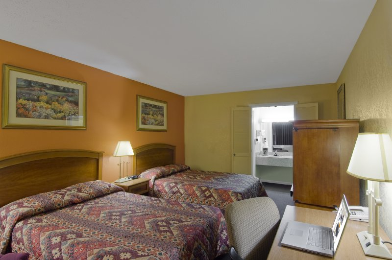Americas Best Value Inn - Marion, OH