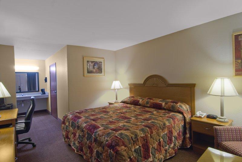 Americas Best Value Inn - Deridder, LA